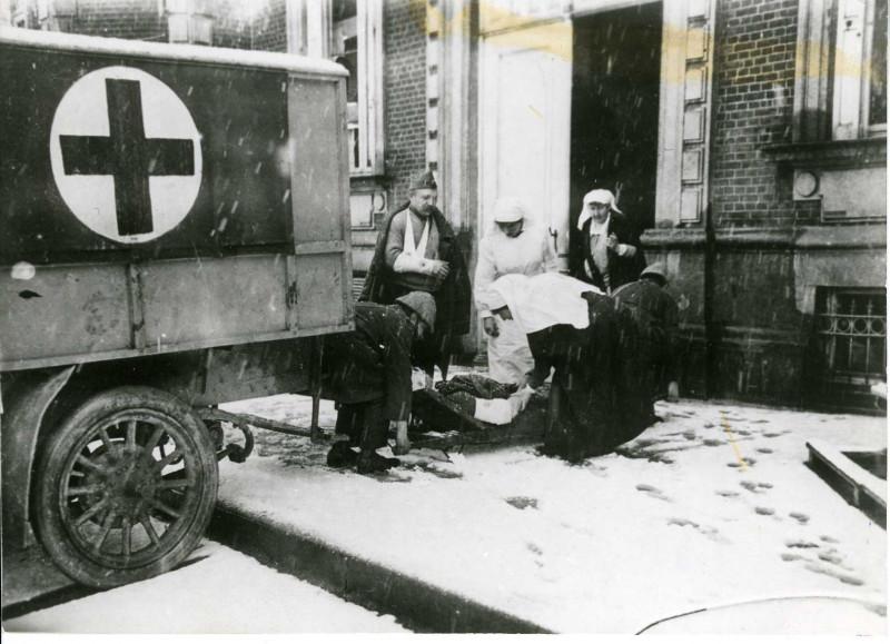 Belgische verpleegsters in het Elisabethospitaal in Poperinge (privéarchief Florence de Moreau, Louvignies)